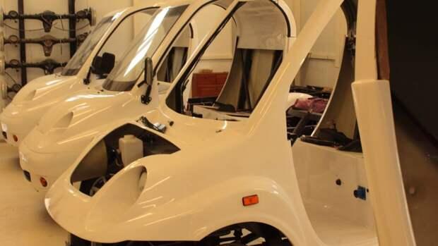 Китаянка устроила погром в автосалоне Tesla