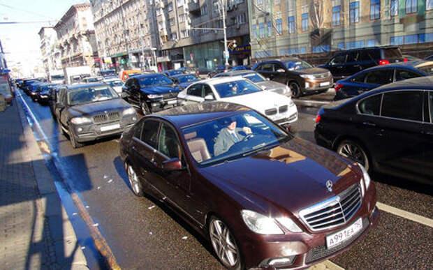 Названы самые пробочные улицы Москвы. Их и так все знали