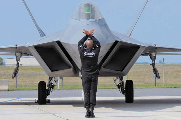 Начальник штаба ВВС США заявил о намерении избавиться от F-22