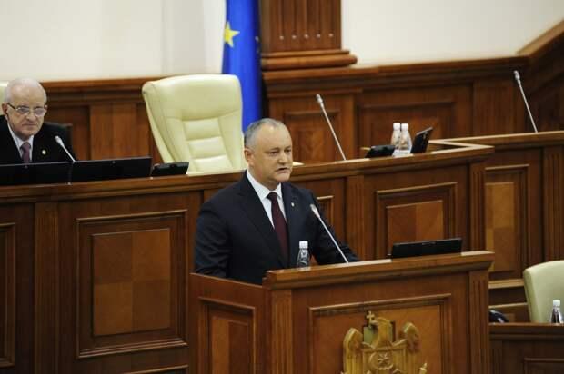 Молдавские социалисты выступили против западного влияния на грядущие выборы