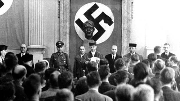 Народный суд. В центре — Роланд Фрейслер, «их Вышинский».