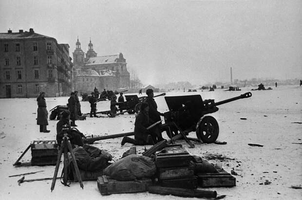 Как один советский разведчик спас целый Краков