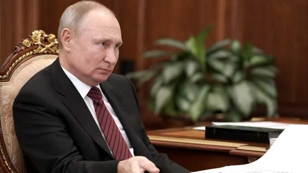 Владимир Путин продлил полномочия Юрия Чайки на год
