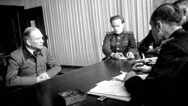 Битый русскими Быстроходный Гейнц предупреждает бодрых тевтонских куриц Урсулку и Аннегретку