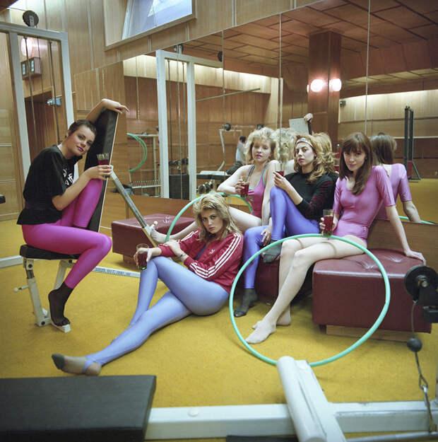 Как выглядели русские женщины 1990-х годов (ФОТО)