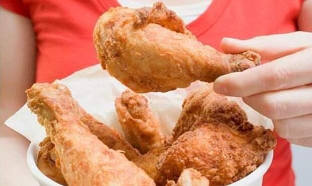 2. В Гейнсвилле, штат Джорджия, вы обязаны есть жареную курицу с помощью рук. Любой другой способ является незаконным. абсурдные законы, законы сша, сша