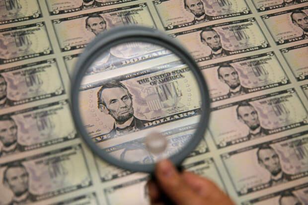 В США перестали верить в доллар