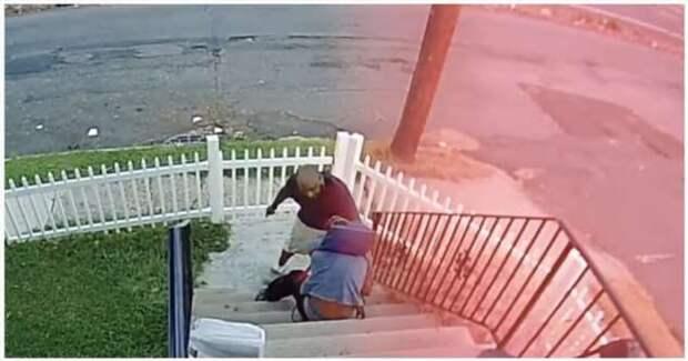 Мужчина поймал и наказал вора посылок (1 фото + 1 видео)