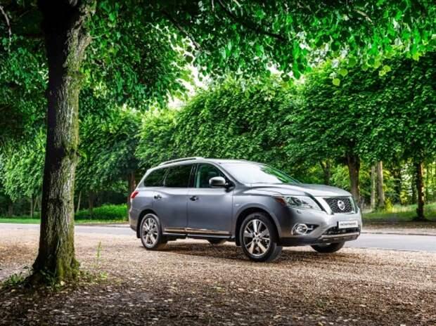 Nissan Pathfinder: долой бездорожье (ВИДЕО)