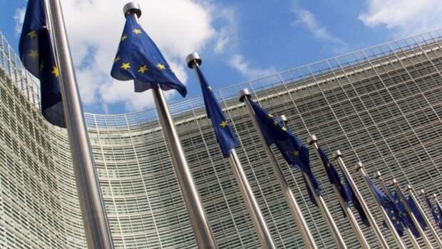 """Евросоюз назвал выдачу паспортов РФ попыткой """"интегрировать"""" часть Украины"""
