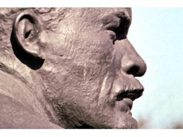 Красный император: почему мы отвергаем то, чем восхищается весь мир?