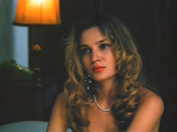 Красотка из 90-ых Габриэлла Мариани.
