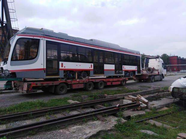 В Краснодар приехал десятый новый трамвай