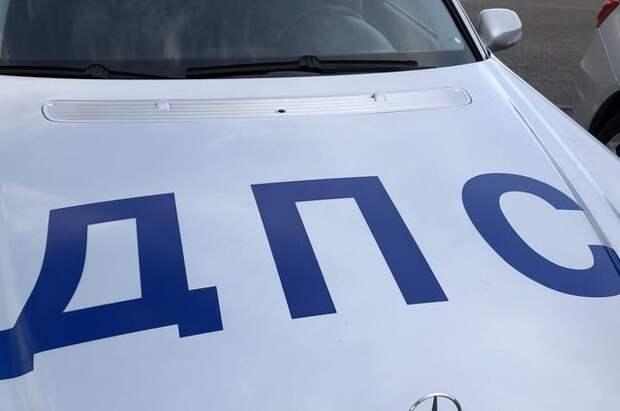В Биробиджане пьяный водитель без прав сбил сотрудника ДПС