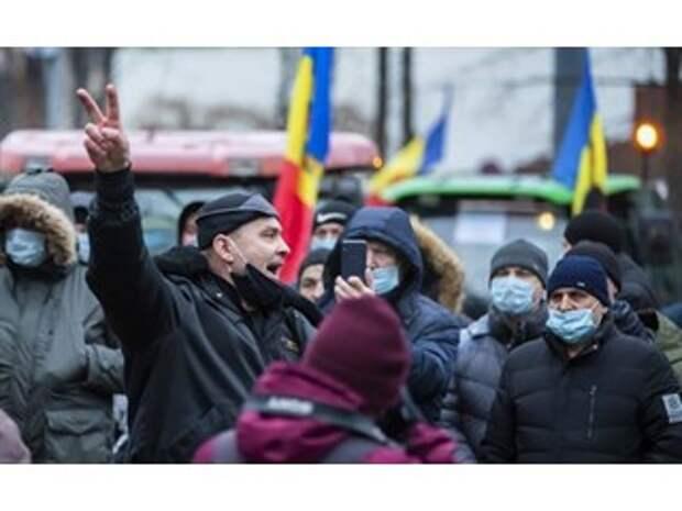 Угрозы парламенту и беспорядки: в Кишиневе США приступили к плану «B»