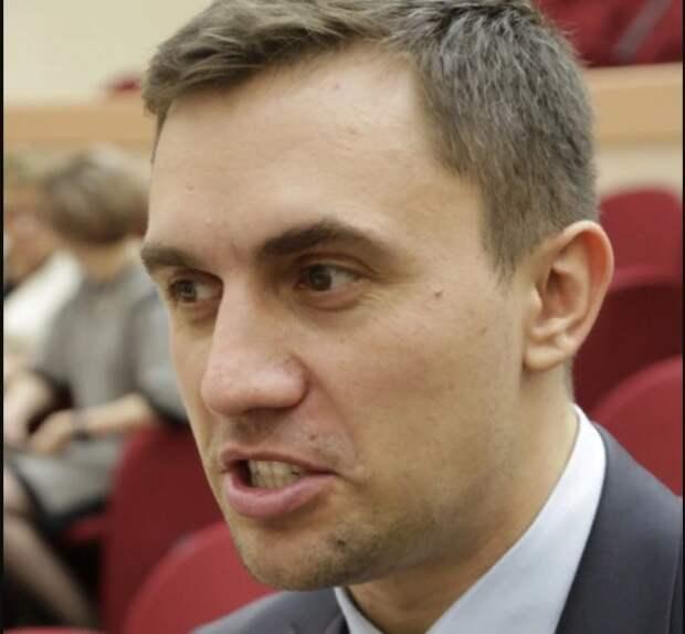 """В Саратове задержали выживавшего на """"макарошках"""" депутата Бондаренко"""
