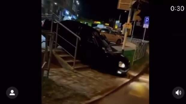 Проехавшего поступенькам пешеходной лестницы водителя разыскали вСтаврополе