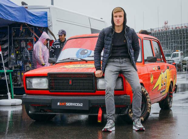 Российская молодежь сделала из Жигулей культ. Как так?