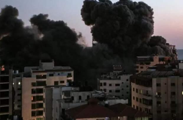 Шокирующие кадры из Израиля! После атаки обрушилось 13-этажное здание (ВИДЕО)