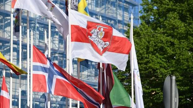 Мэр Риги распорядился снять флаги ИИХФ после письма Фазеля