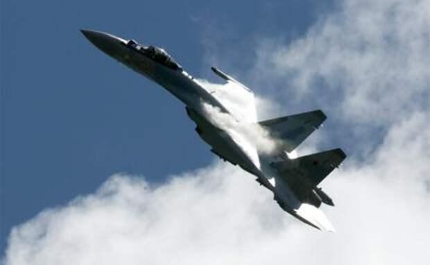 На фото: истребитель Су-35