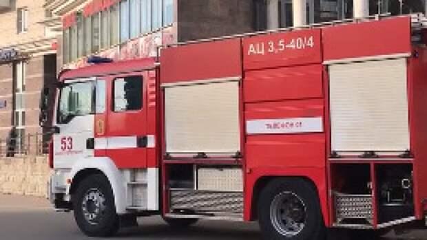Спасатели потушили пожар в Адмиралтейском районе Петербурга