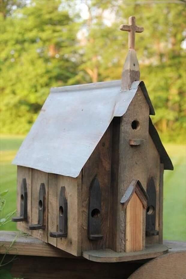 красивых и необычных птичьих домиков