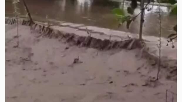 Хутор вРостовской области уходит под воду