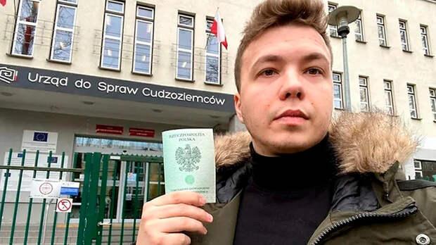 Слёзы змагара: Роман Протасевич рассказал, за чей счёт живёт белорусский протест