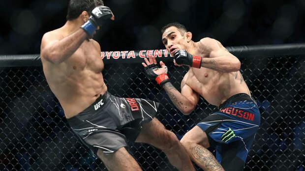 Фергюсон уступил Дариушу на турнире UFC 262