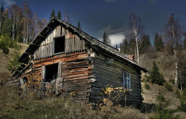 Заброшенный деревенский дом. Иллюстрация из открытых источников.