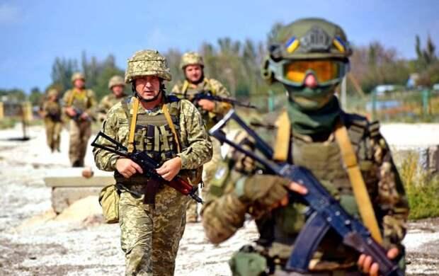 Киев не вступает в НАТО, зато Альянс вступает на Украину
