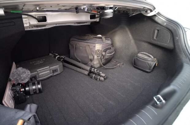 Hyundai Elantra: революция в дизайне, но не в технике. Hyundai Elantra