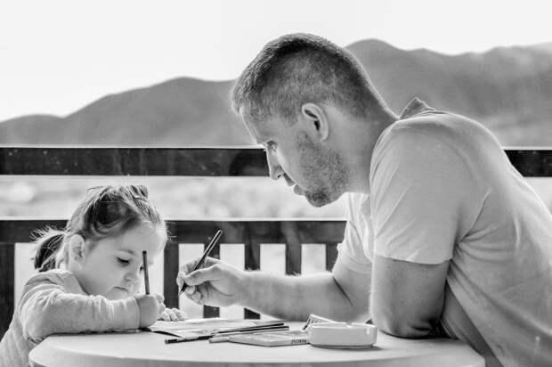 8 токсичных высказываний, которые слышат от вас ваши дети