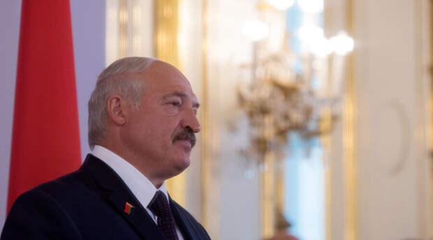 Александр Лукашенко рассказал для чего нужны флаг и герб Беларуси