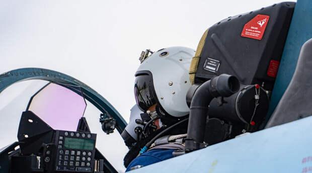 Су-27 «отбили» в небе Черное море у французских самолетов