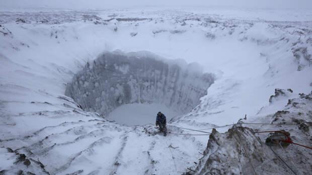 В Сибири появляются гигантские загадочные кратеры