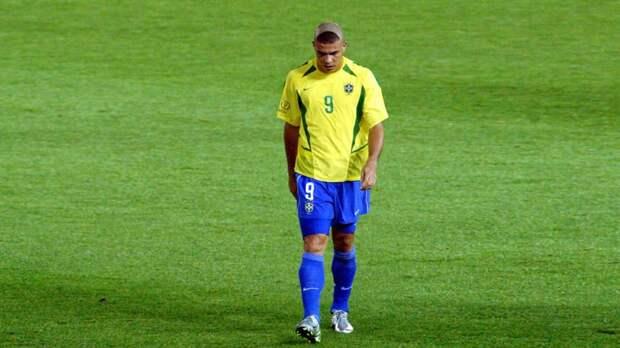 Роналдо попросил прощения за свою прическу на ЧМ-2002