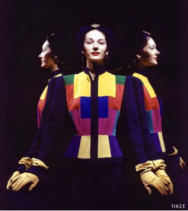 Модель в январском выпуске журнала Vogue за 1944 год.