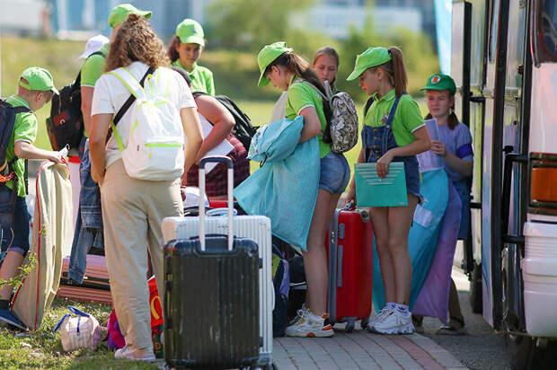 Ростуризм возьмет под контроль цены на путевки в детские лагеря
