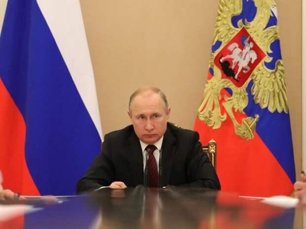 """""""Утром мажу бутерброд...."""": Путин потребовал объяснить россиянам, что власти не витают в облаках"""