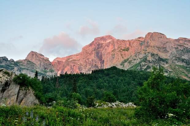 Гора Фишт на рассвете