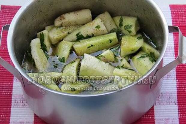 Салат из огурцов на зиму пальчики оближешь