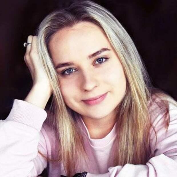 Лиза Шитова, 17 лет, прогрессирующий грудопоясничный сколиоз 4-й степени, спасет операция, 1124493₽