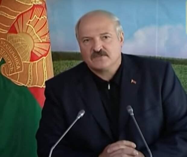 Лукашенко потребовал от Европы компенсацию за посадку самолета Ryanair в Минске