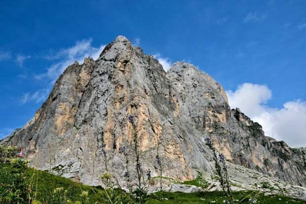 Вид на Фишт с Белореченского перевала