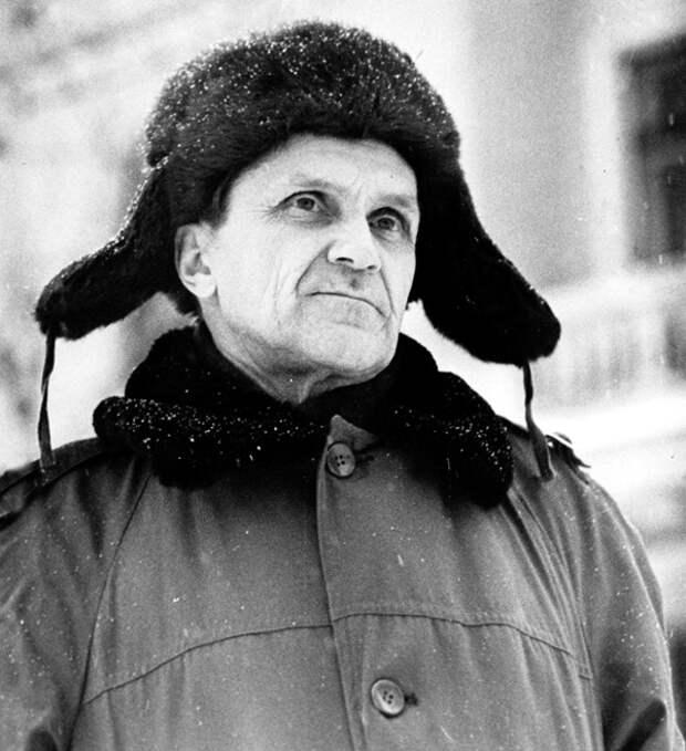 Как Солженицын с Шаламовым превратили убийц и предателей в героев