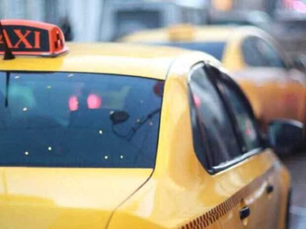 Службы заказа такси хотят заставить отвечать перед пассажирами