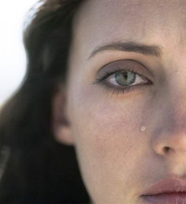 Муж сказал, что больше не любит ее, незадолго до рождения их ребенка. И вот что удержало её на краю отчаяния...