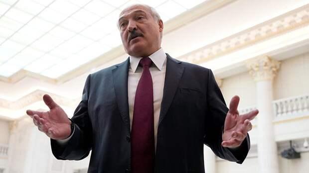 Лукашенко ответил Макрону на призыв уйти с поста президента Белоруссии